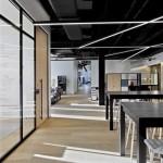 میز اداری ساده در دیزاین شرکت رسانه های جمعی 21st Century Fox