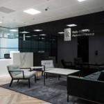 معماری داخلی شرکت Rolls Royce & Partners با استفاده از رنگ های خنثی