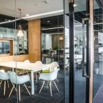 معماری داخلی اداری با چوب