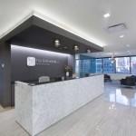 طراحی داخلی مدرن دفتر وکالت Fox Rothschild