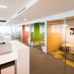طراحی پارتیشن اداری شیشه ای شرکت Corporativo Perez