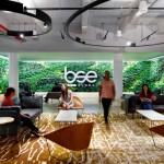 طراحی چشمگیر دفتر اداری BSE با کمک دیوار سبز
